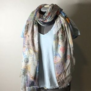 Gorgeous scarf with T-shirt